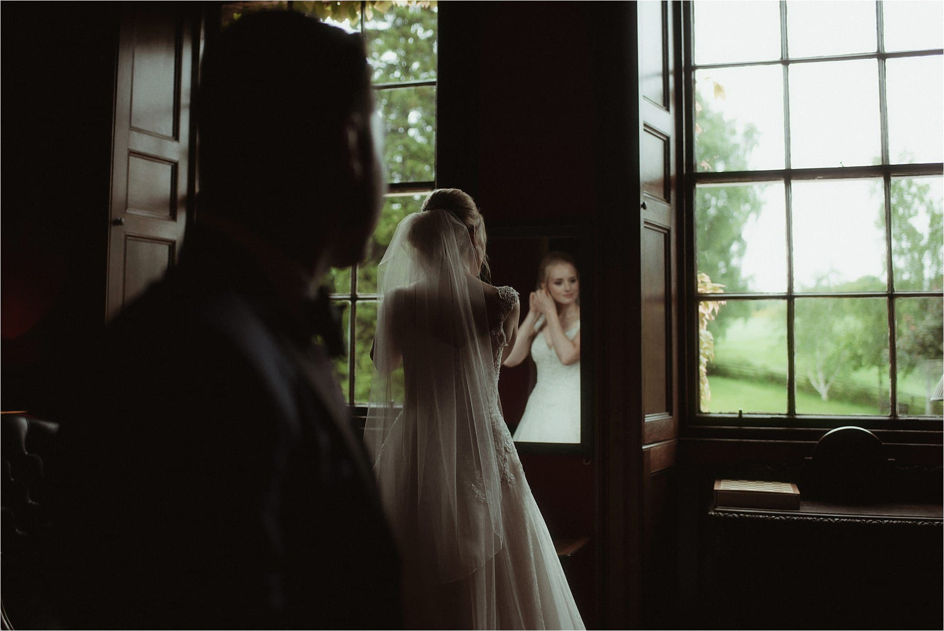 bride and groom in scotland