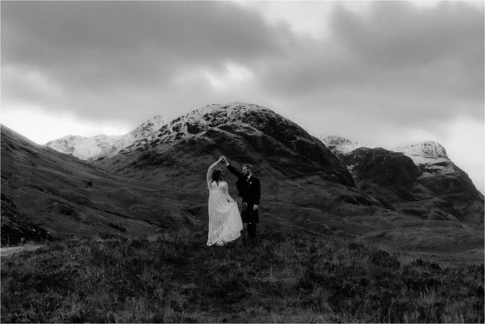 bride and groom in glencoe
