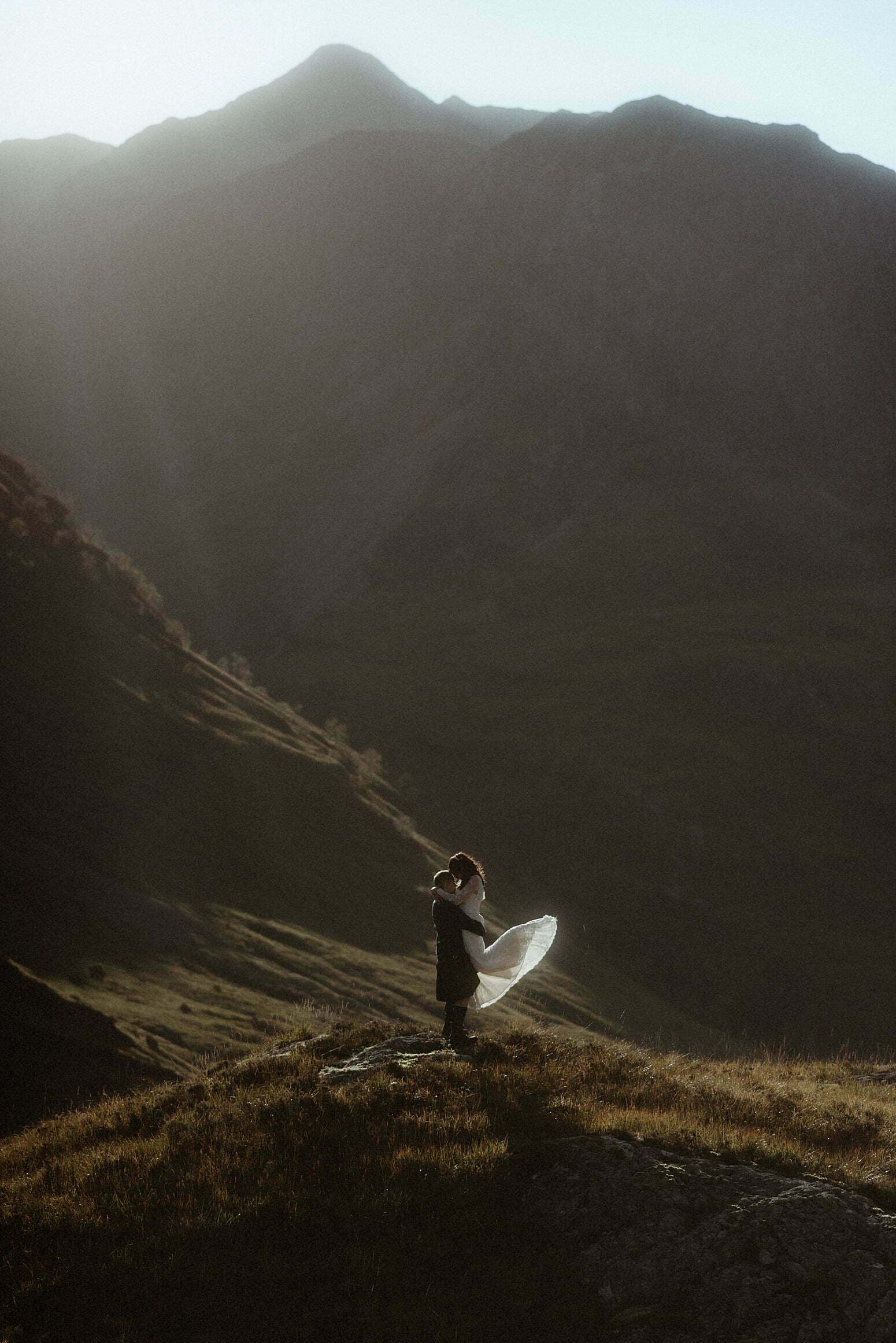 elope to Scotland couple in Glenoce mountains
