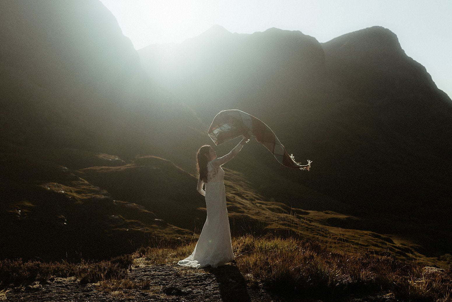 Autumn elopement in Scotland Bride in the mountains of Glencoe