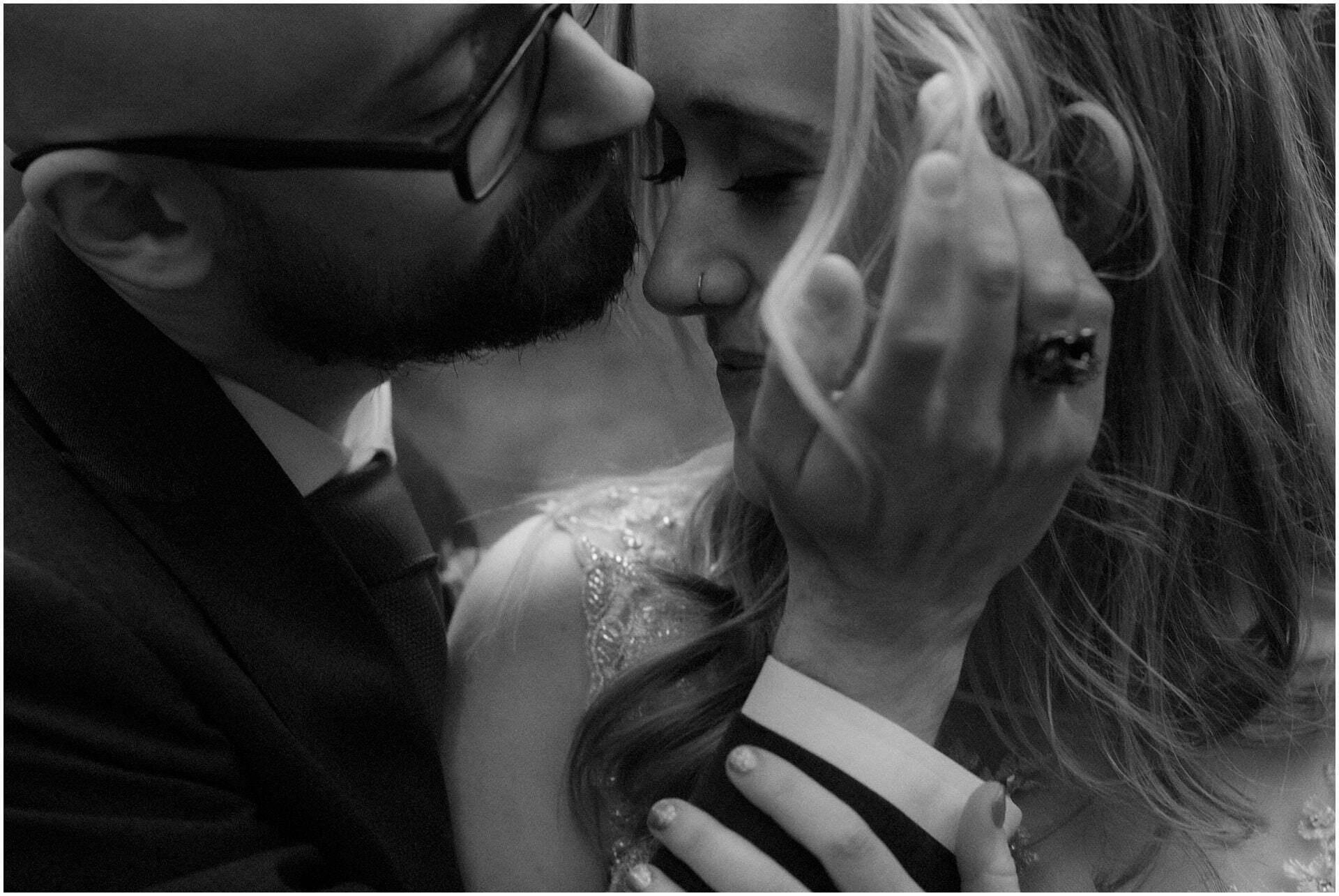 elopement Scotland bride and groom